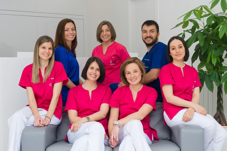 Fotografía de grupo clínica dental Lamela