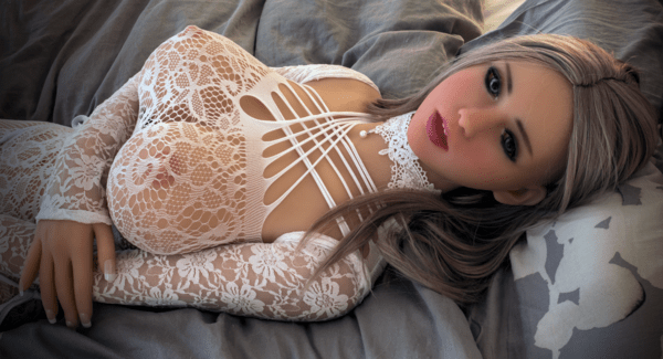 Realistic sex doll big breasts