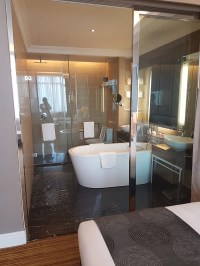 Glass walls - bathroom at the Shangri-La Hotel