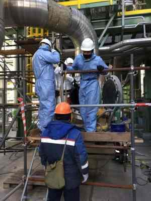 Сотрудники АСГАРД-Сервис на чистке и пассивации газоохладителей