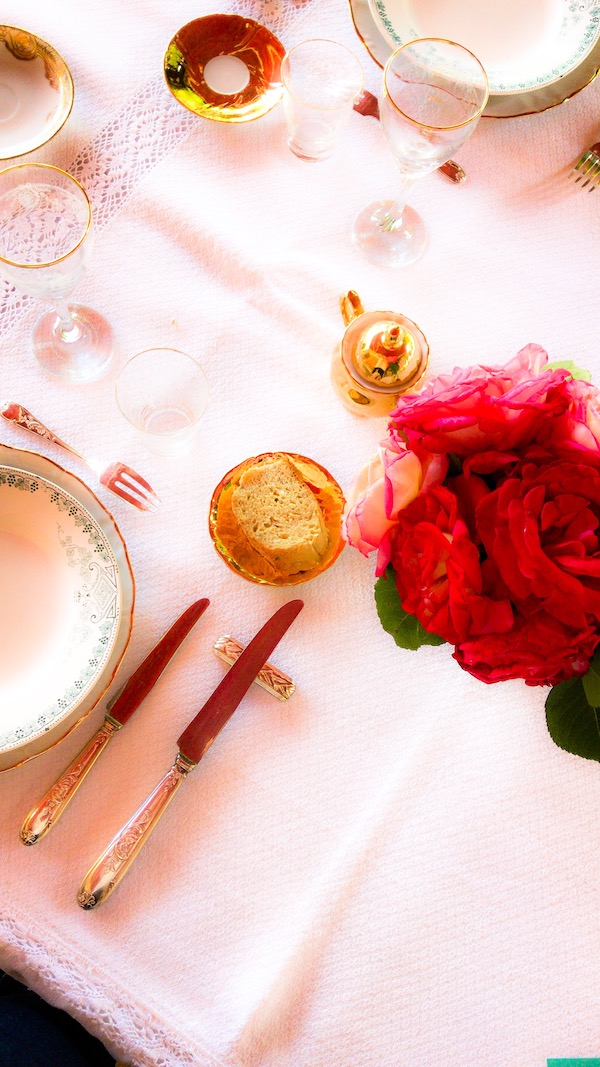 image-wordpress-google-table-decoration-rose-asgreenaspossible