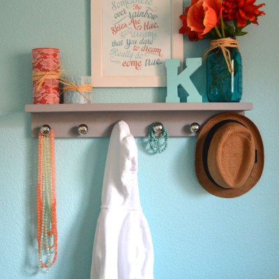 Easy DIY Shelf for the Nursery Pt2
