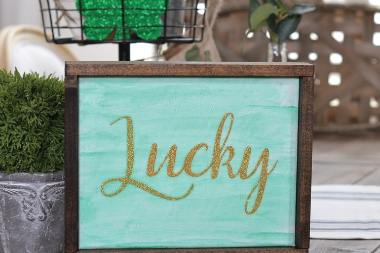 How to make a St. Patrick's Day Lucky Sign, + 3 Tier Tray Decor!