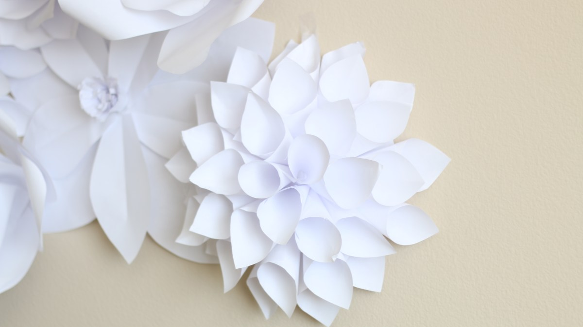 Paper Flower Backdrop: Flower 2