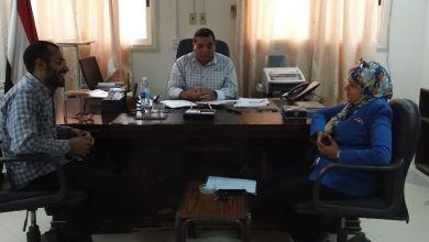 الهوارى يعقد إجتماع مع مدرية الصحة بالزينية للتصدى لفيروس كورونا