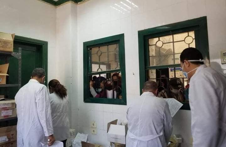 توقيع الكشف الطبي علي 1496 حالة ضمن قافلة بقرية جبل الطير بالمنيا