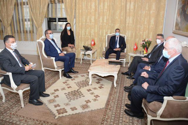 وزير الداخلية يستقبل سفير ألمانيا بتونس
