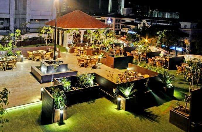 Couple cabin restaurant in ahmedabad