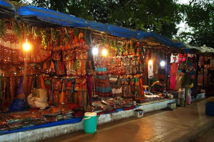 7 Best Street Shopping Places in Ahmedabad
