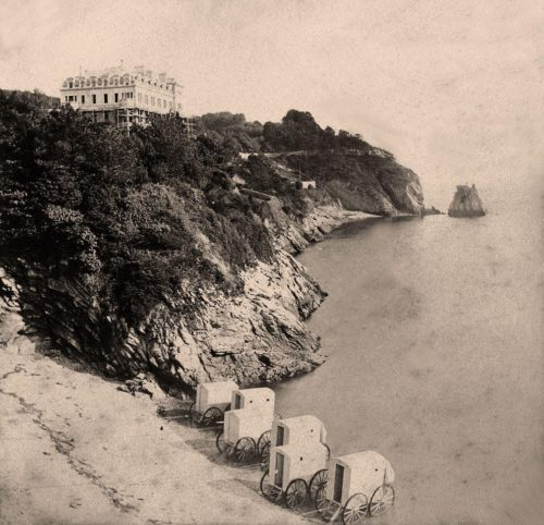 Beacon Cove The Imperial Hotel still under construction circa 1866 500x482 - Beacon Cove in 360º