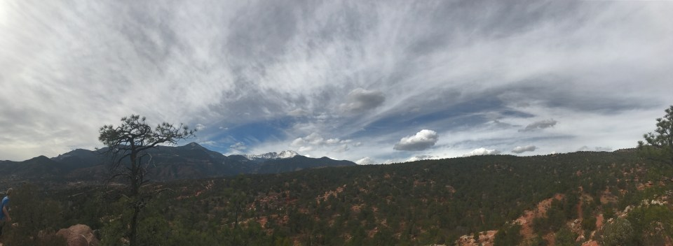 Pikes peak pano from garden of the gods