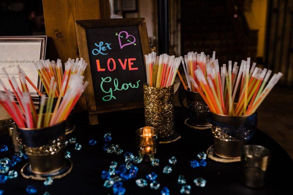 let love glow glow stick wedding station