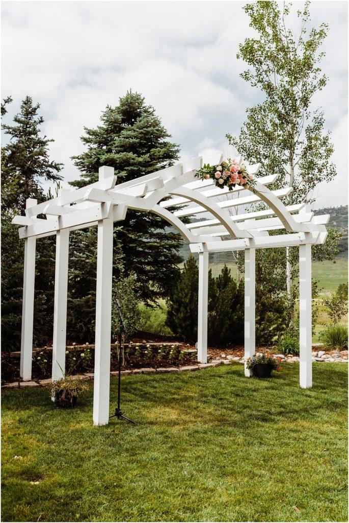 wedding arch at wedgewood ken caryl