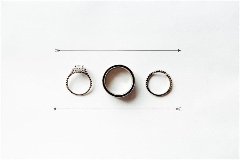 wedding rings with arrows