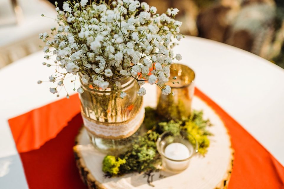 simple table decor with babies breath