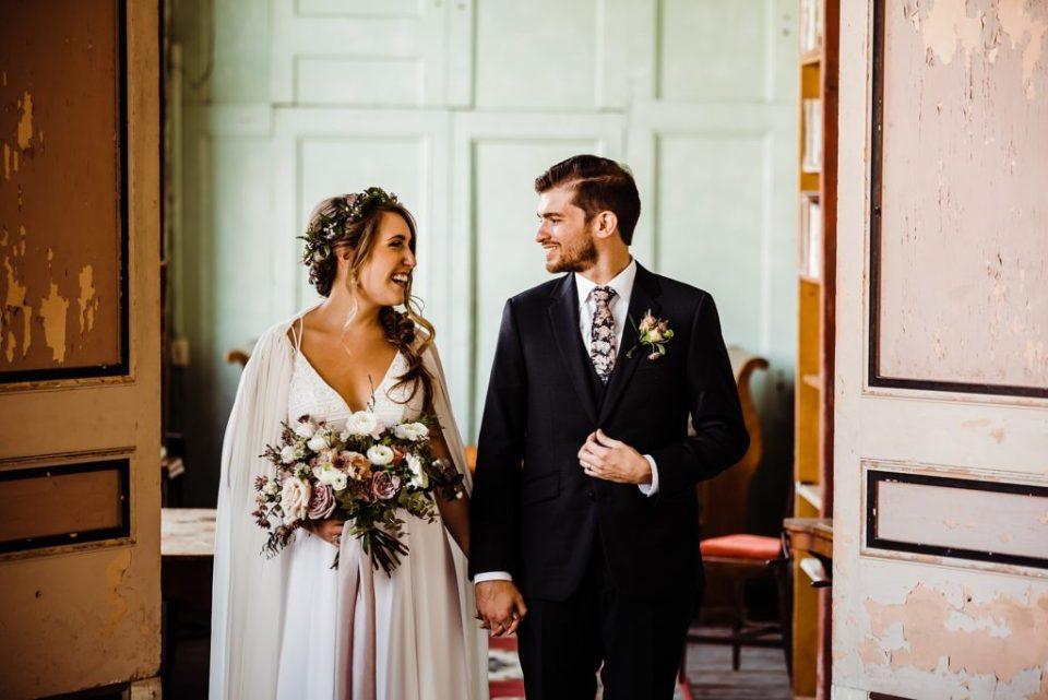 wedding photos taken at the metropolitan buidling in long island city