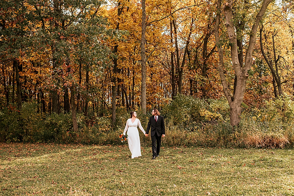 Intimate Backyard Autumn Wedding in Wisconsin by Ashley Durham Photography_0015