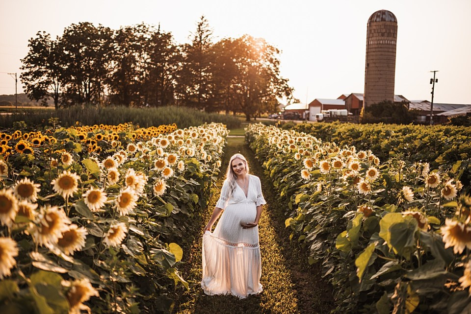 southern wisconsin maternity photographer