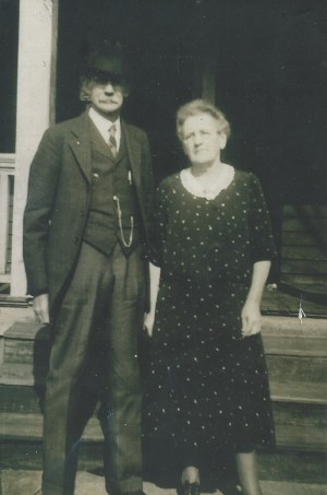 Asbury and Ella in front of 60 Brownwood house, West Asheville; ca. 1935?