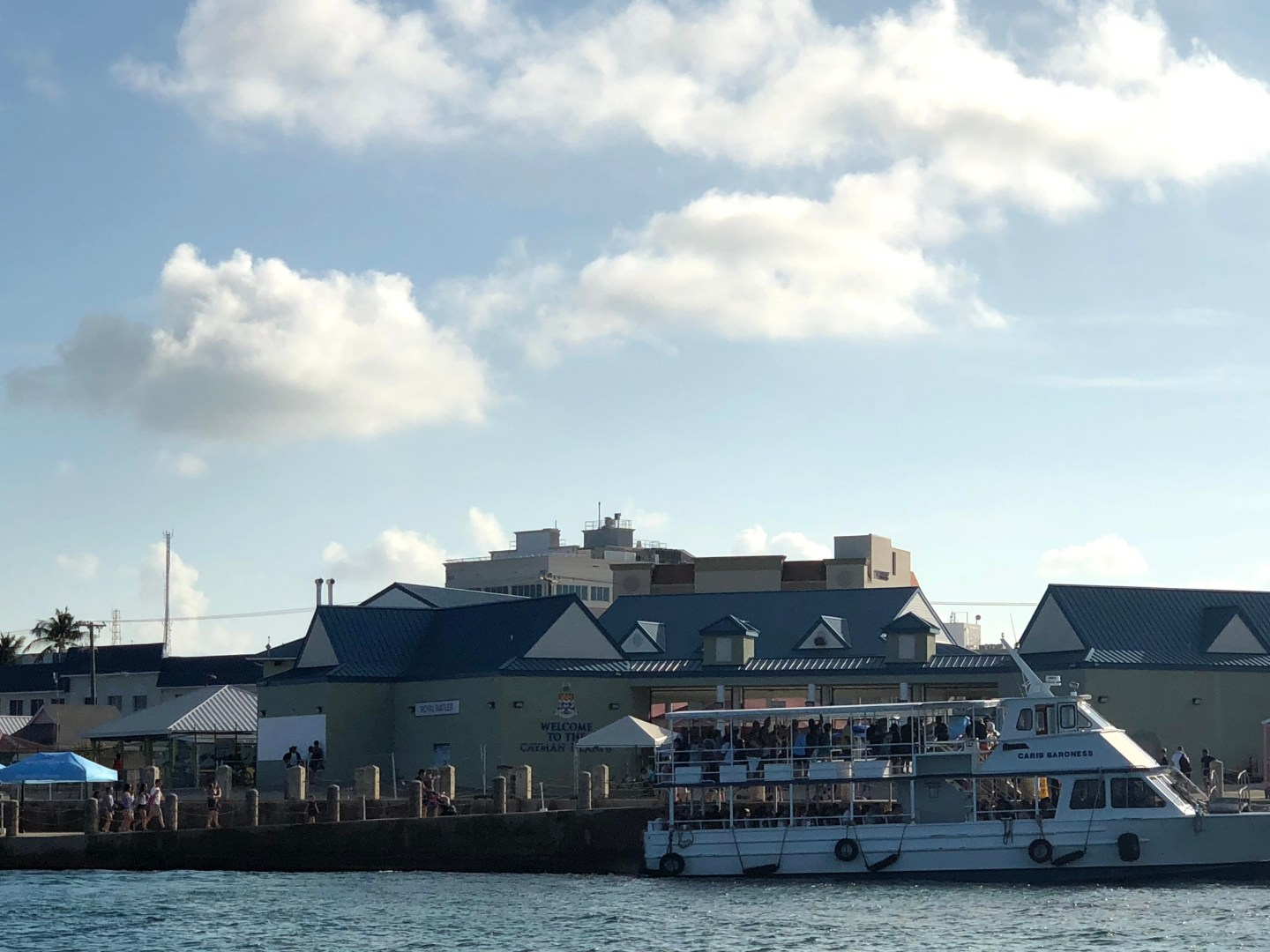 Ships for moving passengers to Grand cayman
