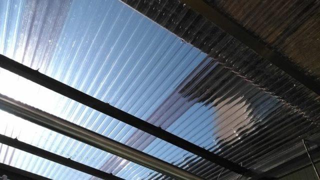 物干し場の屋根の波板を張り替えました