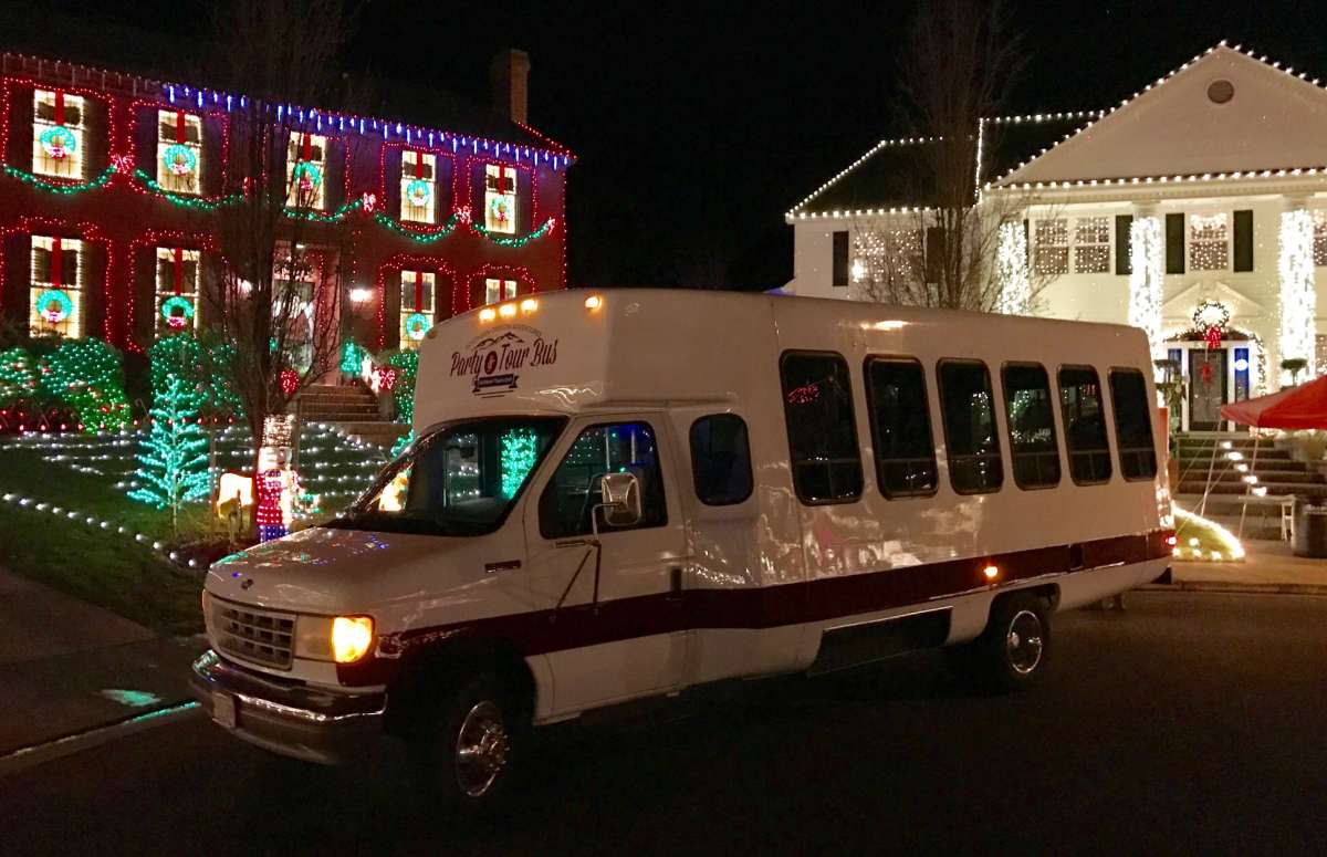 holiday lights tour bus