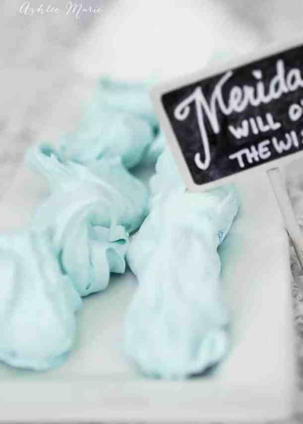 how lovely are these Will O' the Wisps inspired blue cotton candy divinity recipe