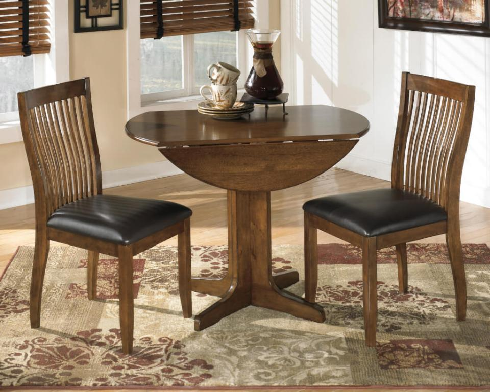 ブラウンのドロップリーフテーブル