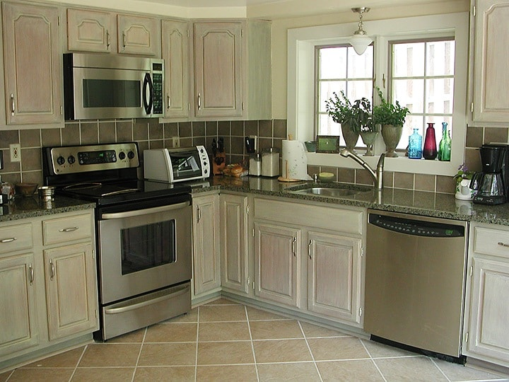 Whitewashed Kitchen Cabinets Can Dramatically Change Look