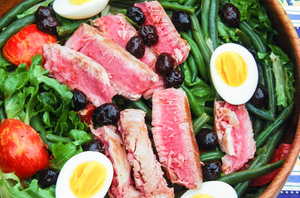 Protein-Packed Salade Niçoise with Seared Ahi Tuna