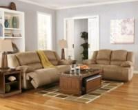 Hogan Reclining Sofa | Ashley Furniture HomeStore