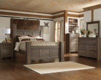 Juararo Queen Poster Bed | Ashley Furniture HomeStore