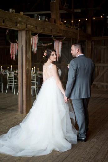 Honey Farm Wedding Reception Venue Dayton Ohio by Ashley Lynn Photography (17)