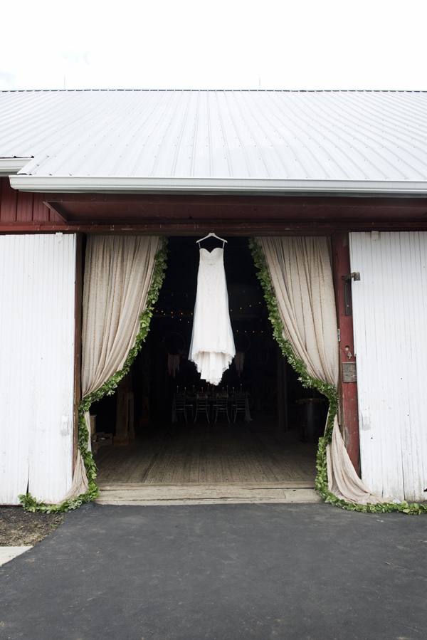 Honey Farm Wedding Reception Venue Dayton Ohio by Ashley Lynn Photography (19)