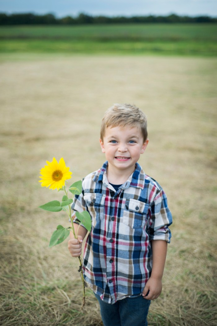 Family-Session-Sunflower-Field-by-Ashley-Lynn-Photography-1027