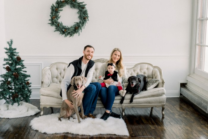 Dayton family portrait photographer Ashley Lynn creates a winter wonderland for Christmas mini's.