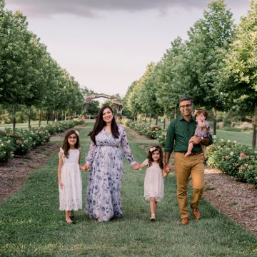 Family portraits at Cox Arboretum in Dayton, Ohio