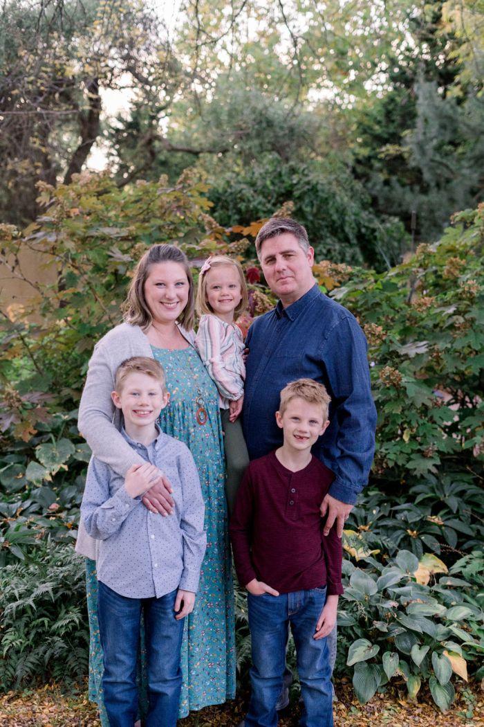 Wegerzyn Gardens Family Portraits | Ashley Lynn Photo