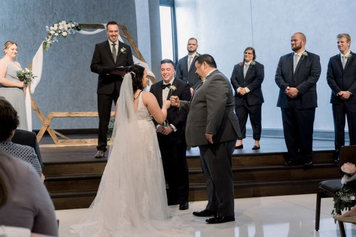 Wedding Photographer | Dayton, Ohio
