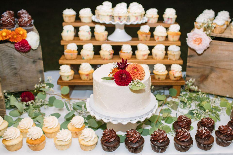 wedding cake photographed by Ashley Mac Photographs
