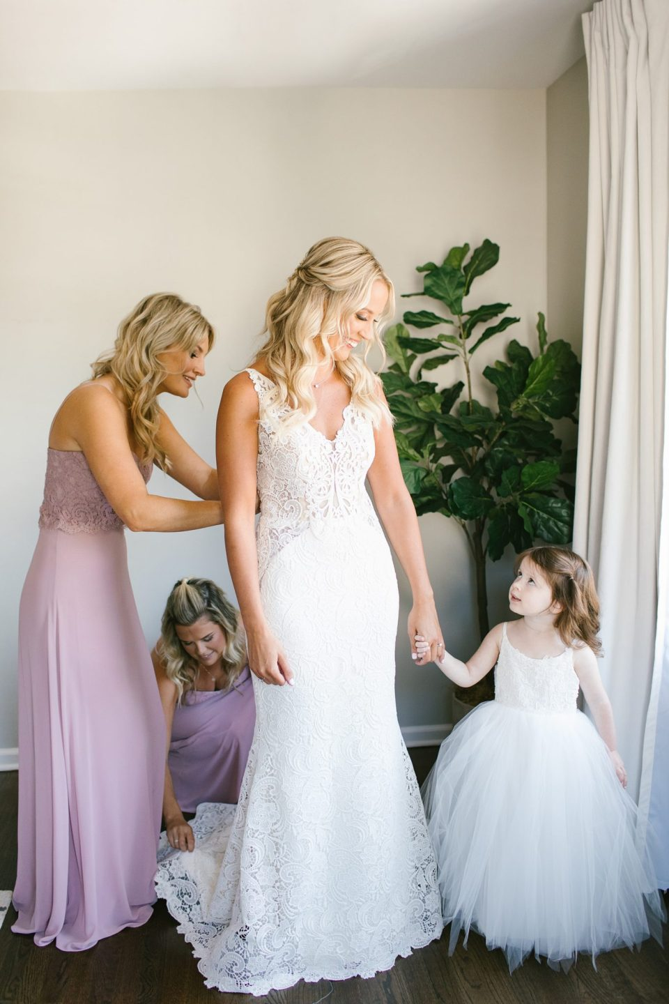 wedding day preparations photographed by Ashley Mac Photographs