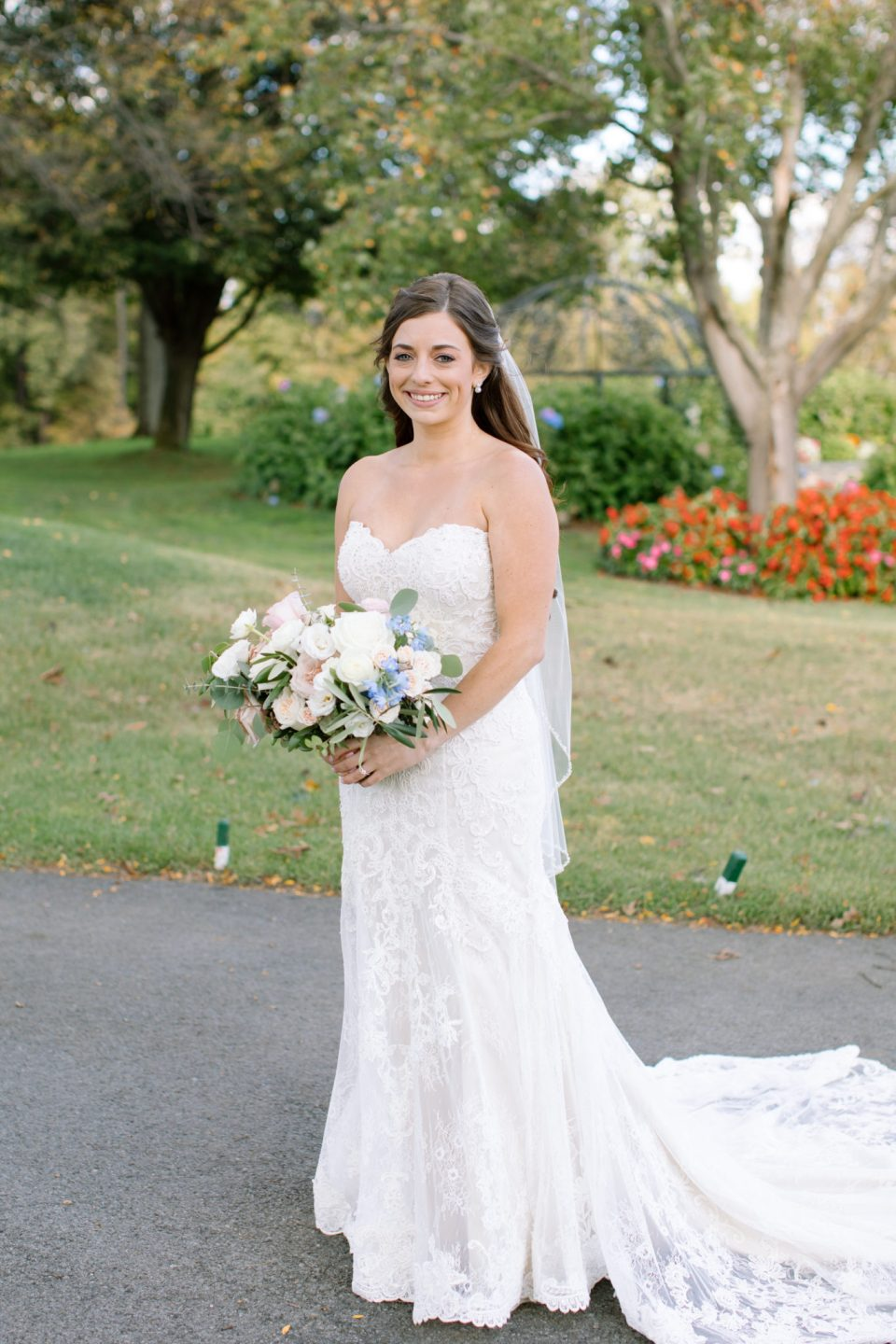 bridal portraits at West Hills Country Club photographed by Ashley Mac Photographs