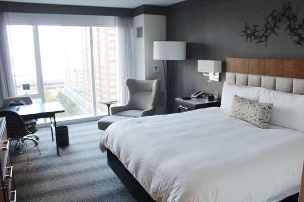 loews chicago room
