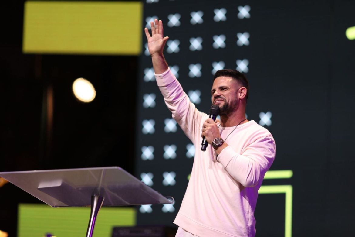 Motion Student Conference Recap by Alabama Lifestyle Blogger Ashley Hodges of AshleyTerk // Steven Furtick // Church of the Highlands // Elevation Church // Charlotte North Carolina // Birmingham Alabama Lifestyle Blogger // Elevation Worship - What I learned at MOTION Conference 2017 and Review of Speakers featured by popular Los Angeles life and style blogger, Ashley Hodges