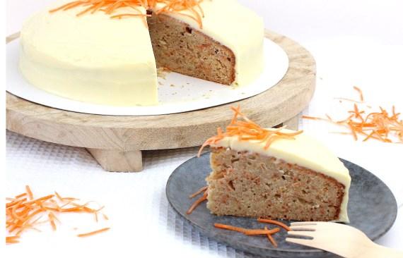 carrot cake met cream cheese frosting