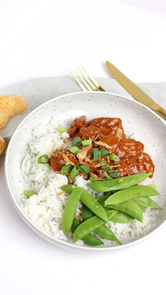 Ajam pangang met sugarsnaps en rijst