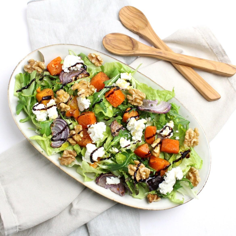 Salade met geroosterde pompoen en geitenkaas
