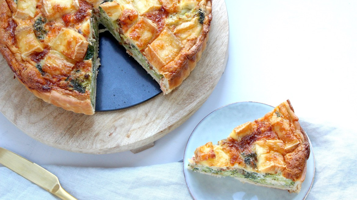 Quiche met broccoli, zalm en brie