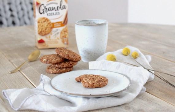 Verkade Granola koekjes proeven.