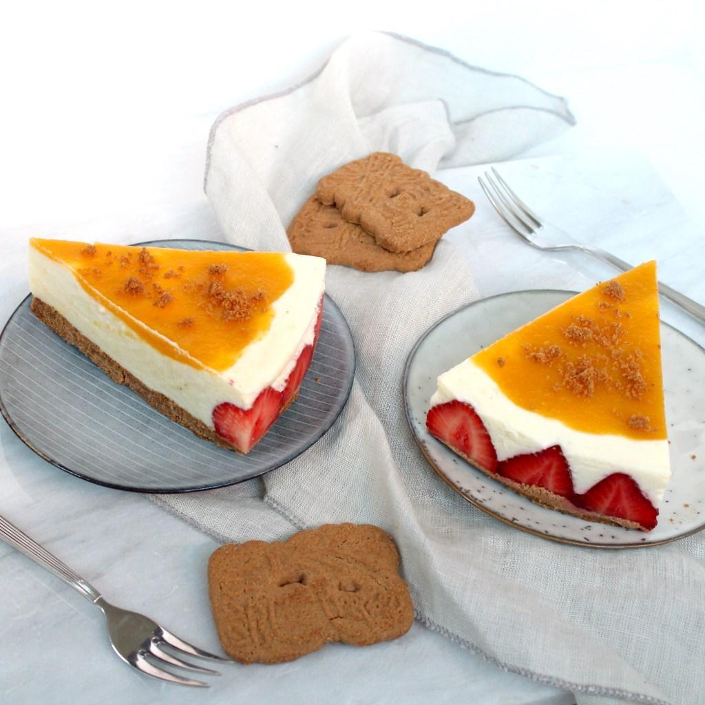 Kwarktaart met mango, aardbeien en speculaas